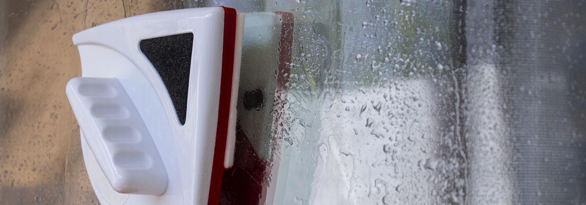 lave vitre magnétique
